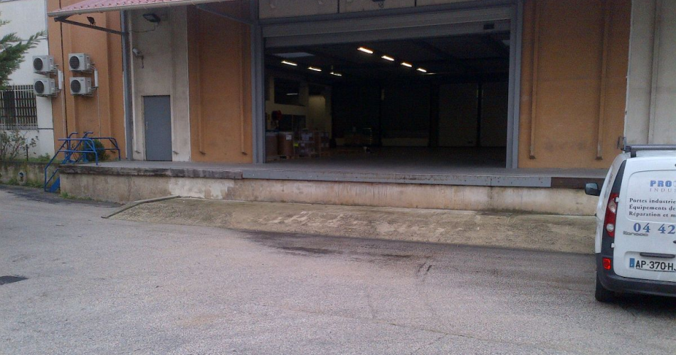 Locaux mixtes d'activite a louer proche des ports 13015 Marseille
