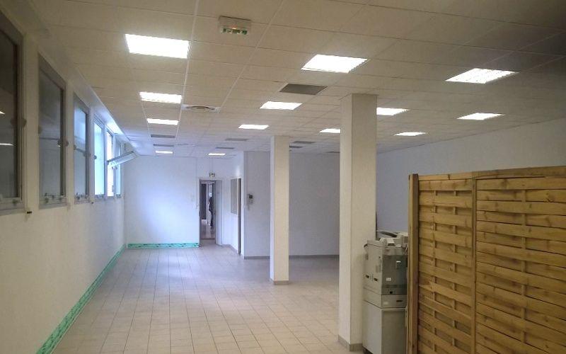 Locaux d'activites et bureaux a vendre 13016 Marseille