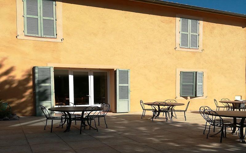 Fond de commerce et murs d'hôtel à vendre à allauch 13190 Allauch
