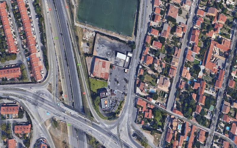 Terrain de 3500 m² avec entrepôts 750 m² à louer secteur nord 13015 Marseille