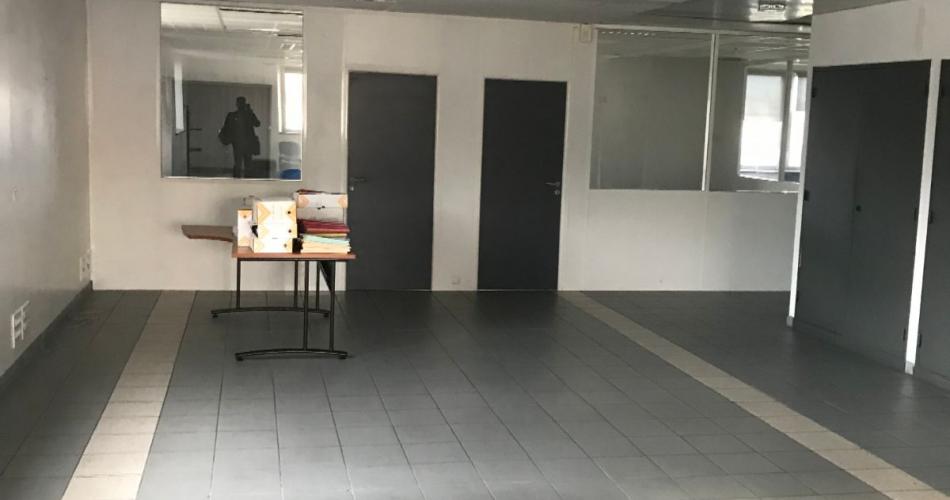 Bureaux de standing à vendre en façade autoroutière  13014 Marseille